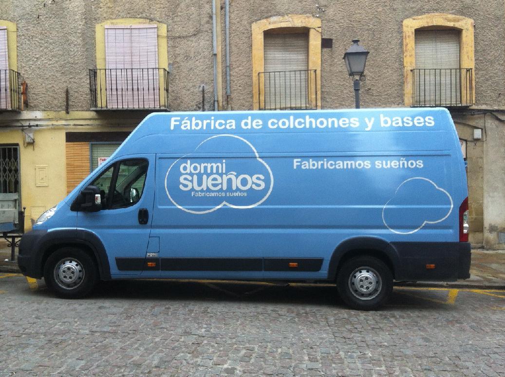 Aplicación de marca Dormisueños a flota de vehículos de empresa